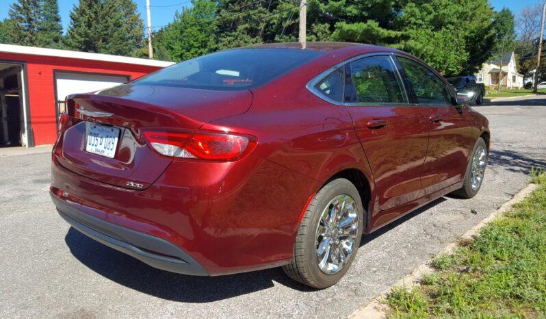 2016 Chrysler 200 4D Luxury Touring Sedan full