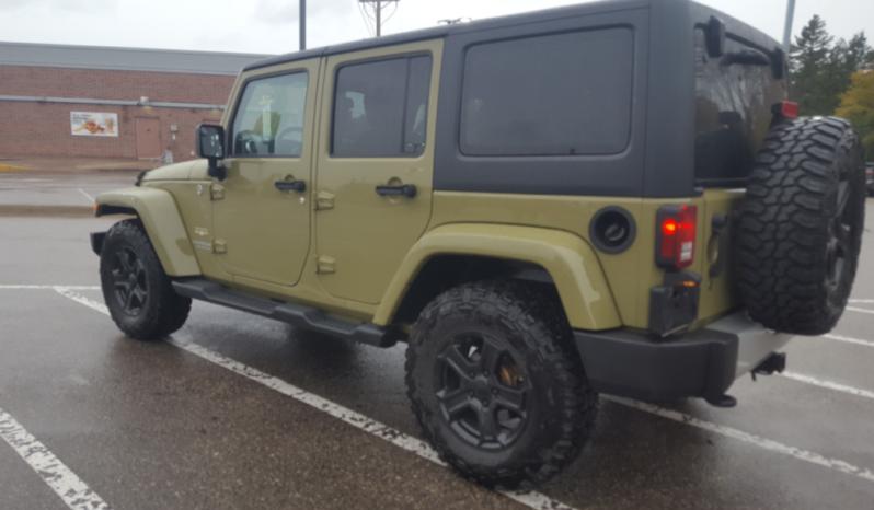2013 Commando Green Jeep Wrangler Sahara full